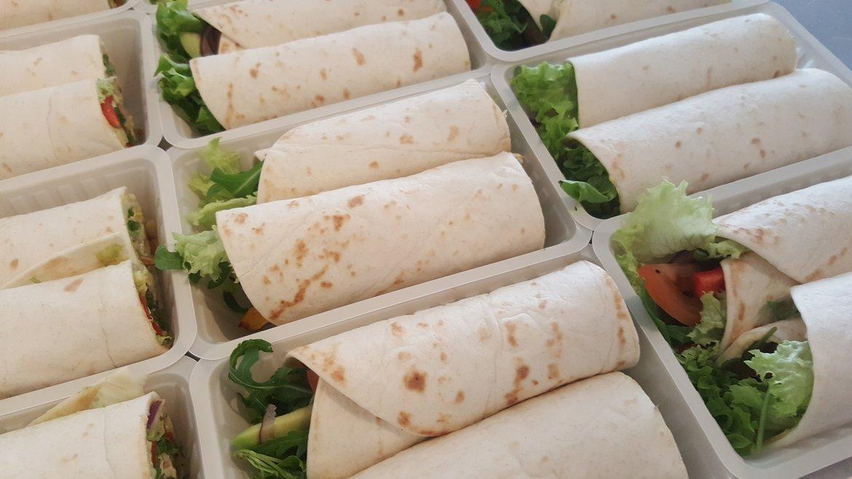 Gezonde wraps voor in de lunchpakketjes, de klant prefereerde dit.