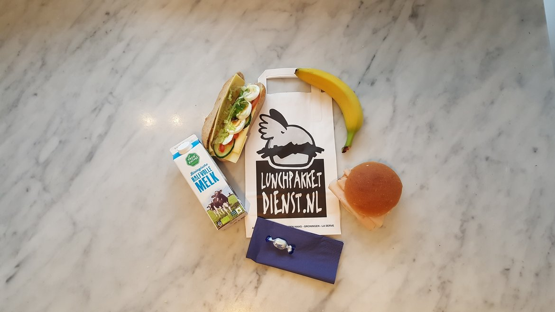 Basis lunchpakket voor mee tijdens teamuitje.